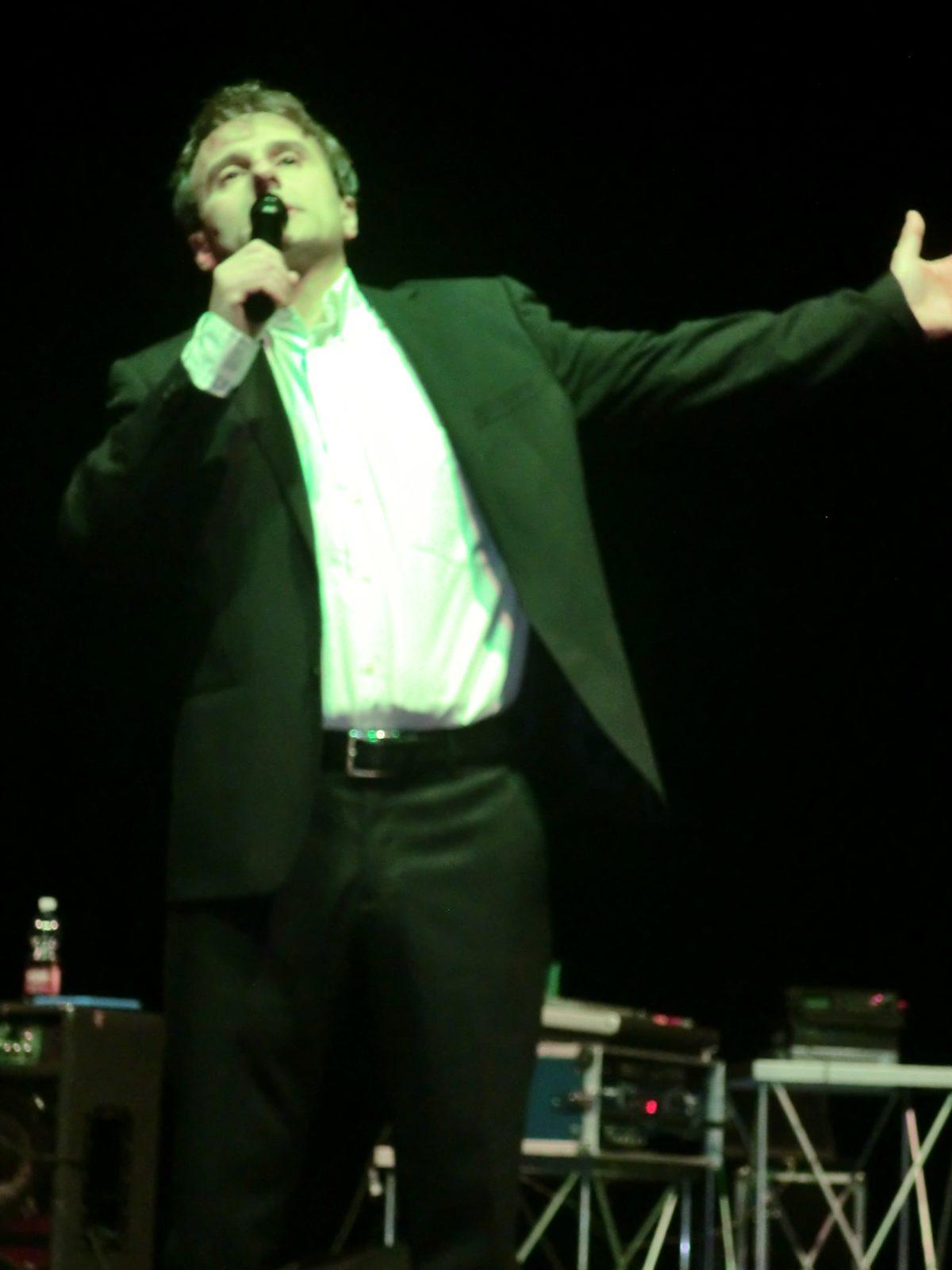 Gianni Morandi Musica e Spettacolo 2